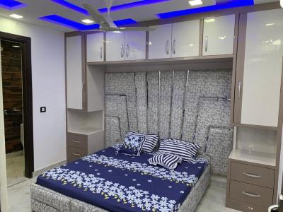 Gallery Cover Image of 890 Sq.ft 3 BHK Independent Floor for buy in Dwarka Mor for 5600000