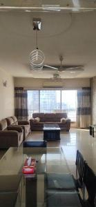 Gallery Cover Image of 1600 Sq.ft 3 BHK Apartment for rent in Essgee Yash Heights, Byculla for 90000