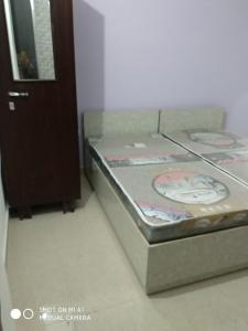 Gallery Cover Image of 300 Sq.ft 1 RK Independent Floor for rent in Sector 40 for 13000