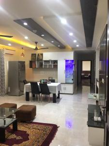 Gallery Cover Image of 1750 Sq.ft 3 BHK Apartment for rent in Sector 150 for 40000