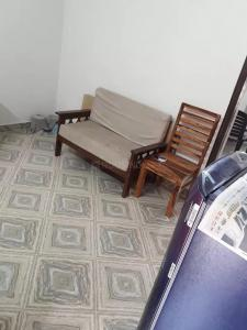 Gallery Cover Image of 620 Sq.ft 1 BHK Independent Floor for rent in Sector 19 for 16500