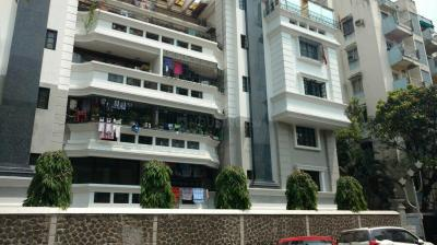 Gallery Cover Image of 2800 Sq.ft 3 BHK Apartment for rent in Ballygunge for 80000