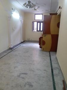 Gallery Cover Image of 1200 Sq.ft 3 BHK Apartment for rent in Paschim Vihar for 25000