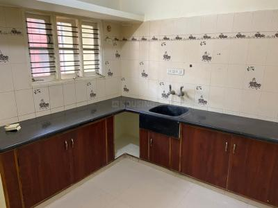 Gallery Cover Image of 1360 Sq.ft 3 BHK Apartment for rent in Padmanabhanagar for 17000