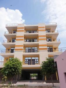 Gallery Cover Image of 1100 Sq.ft 2 BHK Apartment for buy in Govindpuram for 2309000