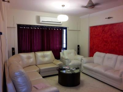 Gallery Cover Image of 990 Sq.ft 2 BHK Apartment for rent in Chembur for 60000