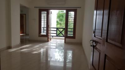 Gallery Cover Image of 1500 Sq.ft 3 BHK Apartment for rent in Besant Nagar for 50000