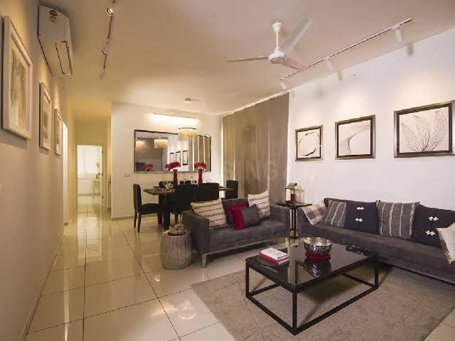Living Room Image of 1850 Sq.ft 3 BHK Apartment for buy in Jeth Nagar for 30525000