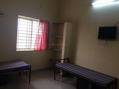 Bedroom Image of Tharshini Ladies Hostel in Sholinganallur