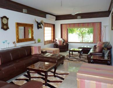 Gallery Cover Image of 5100 Sq.ft 4 BHK Independent House for buy in Panaiyur for 45000000