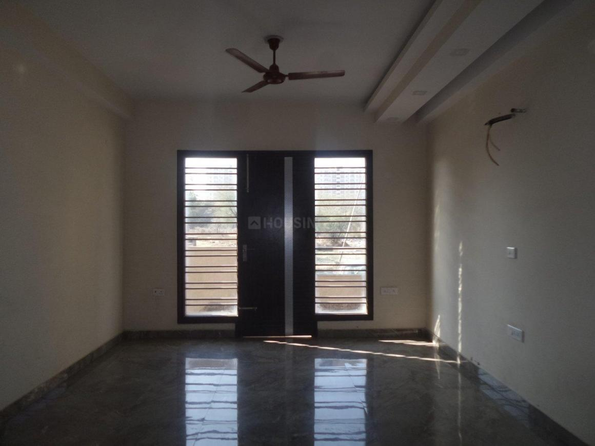 Living Room Image of 2750 Sq.ft 3 BHK Independent Floor for buy in Sector 52 for 13500000