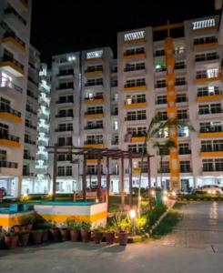 Gallery Cover Image of 850 Sq.ft 2 BHK Apartment for buy in CRC Mantra Happy Homes, BHEL Township for 2500000