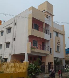 Gallery Cover Image of 1100 Sq.ft 2 BHK Apartment for rent in Gerugambakkam for 9000