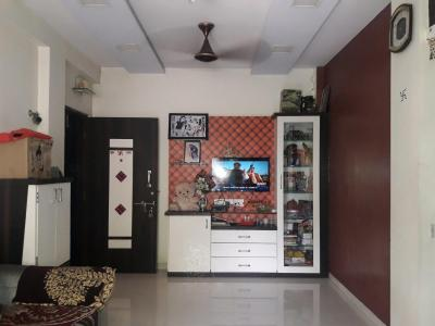 Living Room Image of 652 Sq.ft 1 BHK Apartment for buy in Sion for 10500000