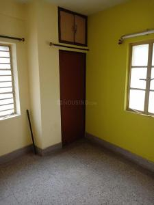 Gallery Cover Image of 825 Sq.ft 2 BHK Independent Floor for rent in Dum Dum for 9000