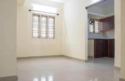 Gallery Cover Image of 1440 Sq.ft 3 BHK Apartment for rent in Chanakyapuri for 16000