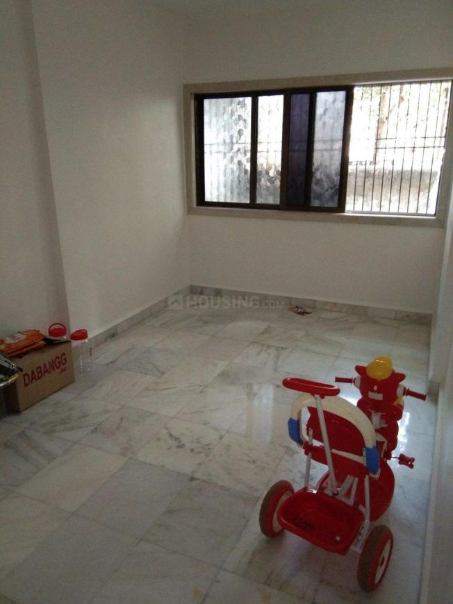 Living Room Image of 650 Sq.ft 1 BHK Apartment for buy in Mulund East for 10500000
