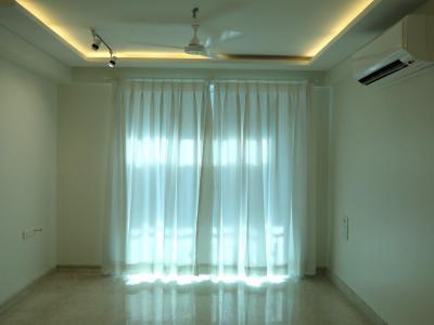 Gallery Cover Image of 1100 Sq.ft 2 BHK Apartment for rent in Raheja Atlantis, Worli for 165000