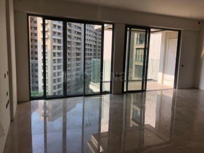 Gallery Cover Image of 1720 Sq.ft 4 BHK Apartment for rent in Rustomjee Seasons, Bandra East for 250000