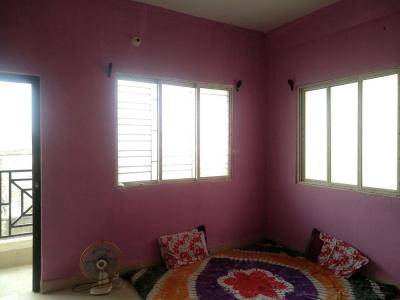 Gallery Cover Image of 813 Sq.ft 2 BHK Apartment for rent in Paikpara for 15000