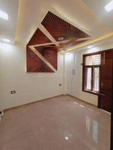 Gallery Cover Image of 658 Sq.ft 2 BHK Independent Floor for buy in Dwarka Mor for 3000000