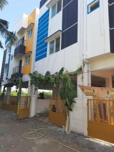 Gallery Cover Image of 820 Sq.ft 2 BHK Apartment for buy in NC Natrajan Apartment, Sembakkam for 3698000