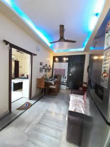 Gallery Cover Image of 690 Sq.ft 2 BHK Apartment for buy in Baranagar for 2600000