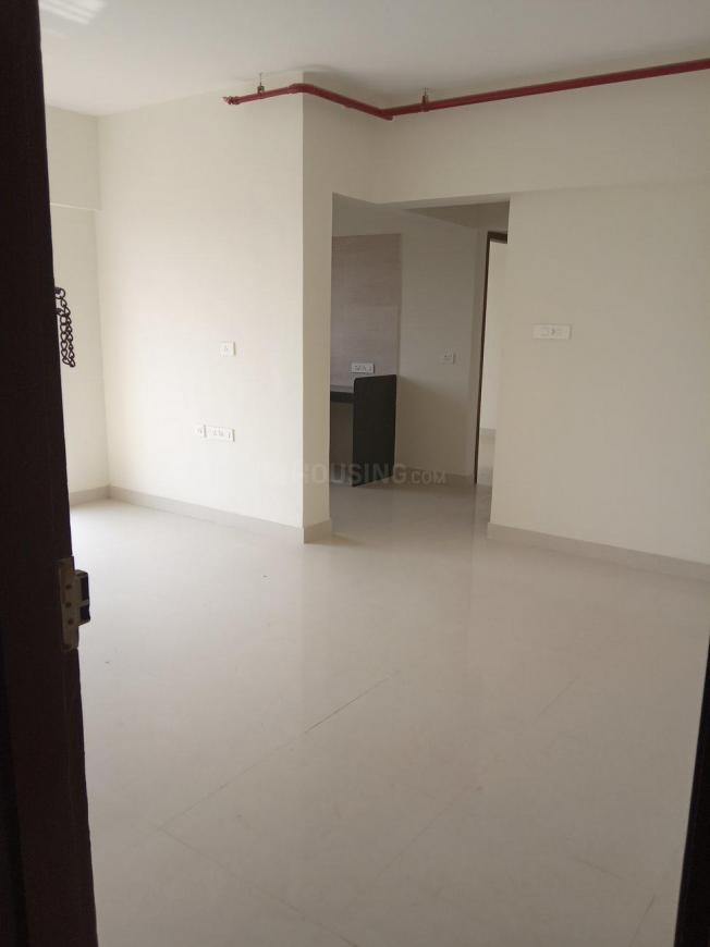 Living Room Image of 940 Sq.ft 2 BHK Apartment for buy in Thane West for 13000000