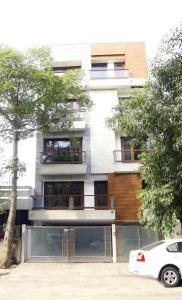 Gallery Cover Image of 1800 Sq.ft 3 BHK Independent Floor for buy in Kalkaji for 26000000