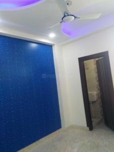 Gallery Cover Image of 756 Sq.ft 2 BHK Independent Floor for rent in Vikaspuri for 22000
