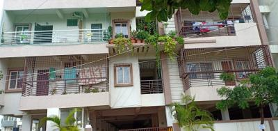 Gallery Cover Image of 2000 Sq.ft 3 BHK Apartment for rent in SRS Sanjana Brindavan, KPC Layout for 29000