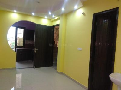 Gallery Cover Image of 900 Sq.ft 2 BHK Independent Floor for rent in Shahdara for 15000