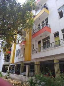 Gallery Cover Image of 900 Sq.ft 2 BHK Apartment for rent in Sector 16 Dwarka for 16000