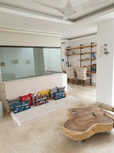 Gallery Cover Image of 1001 Sq.ft 3 BHK Independent House for buy in Govind Vihar for 6700000