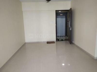 Gallery Cover Image of 1090 Sq.ft 2 BHK Apartment for rent in Lokhandwala Octacrest, Kandivali East for 35000