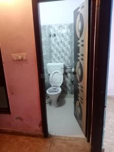 Bathroom Image of The Royal Paying Guest in Sector 62