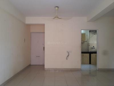 Gallery Cover Image of 1065 Sq.ft 3 BHK Apartment for rent in Kandivali East for 31000