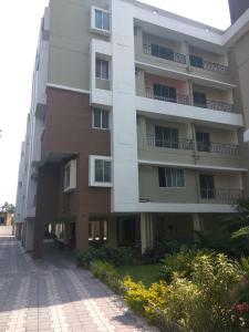 Gallery Cover Image of 1430 Sq.ft 3 BHK Apartment for rent in Narendrapur for 12000