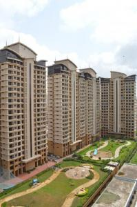 Gallery Cover Image of 1000 Sq.ft 2 BHK Apartment for rent in Malad West for 52000