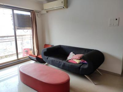 Gallery Cover Image of 1500 Sq.ft 3 BHK Apartment for rent in Joy Valencia, Jogeshwari East for 55000