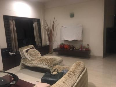 Gallery Cover Image of 750 Sq.ft 2 BHK Apartment for rent in Adarsh Nagar, Worli for 55000