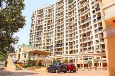 Gallery Cover Image of 616 Sq.ft 1 BHK Apartment for buy in Tharwani Rosalie, Kalyan West for 4500000