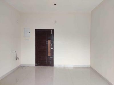 Gallery Cover Image of 770 Sq.ft 2 BHK Apartment for buy in Virugambakkam for 4620000