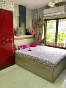 Gallery Cover Image of 800 Sq.ft 2 BHK Apartment for buy in Mazgaon for 19000000