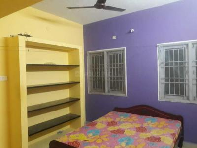Gallery Cover Image of 1300 Sq.ft 3 BHK Independent House for rent in Medavakkam for 18000