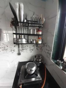 ऐरोली में आइयान्ना होम्स के किचन की तस्वीर