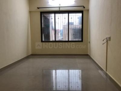 Gallery Cover Image of 620 Sq.ft 1 BHK Apartment for rent in Amisha Apartment, Kandivali West for 18000