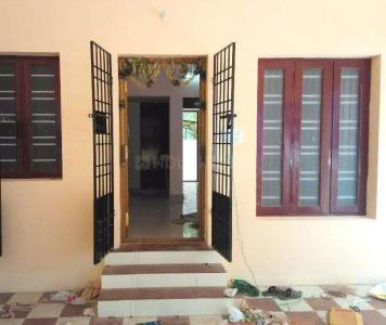 Gallery Cover Image of 700 Sq.ft 2 BHK Independent House for rent in Urapakkam for 6500