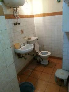 Bathroom Image of Noida PG in Sector 25