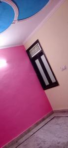 Gallery Cover Image of 800 Sq.ft 3 BHK Independent Floor for rent in Dwarka Mor for 10000